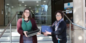 Laptops link young mums to learning